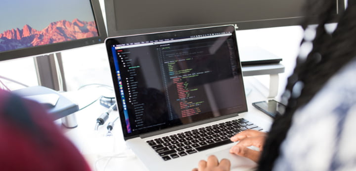 cons of outsourcing software development